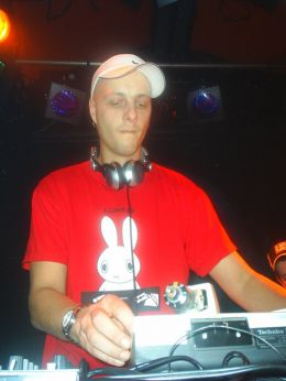 detail/dj-mc-remsy.jpg